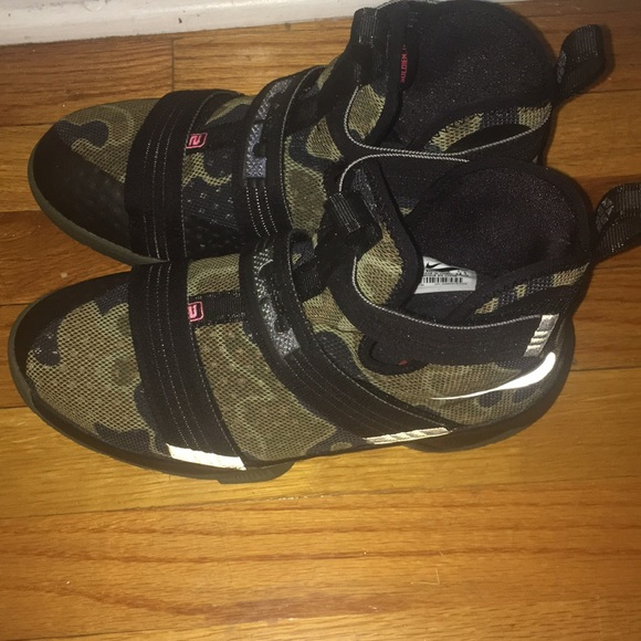timeless design c9c97 44fa7 LeBrons army fatigue sneakers